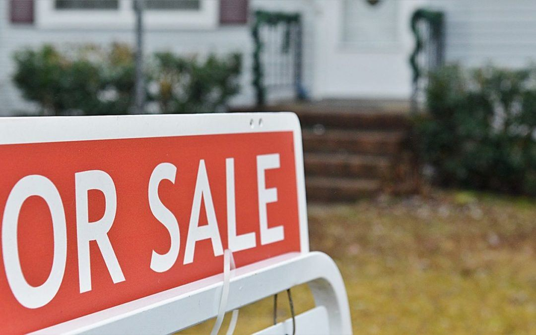 Selling your House to an Investor vs Using a Long Island Agent
